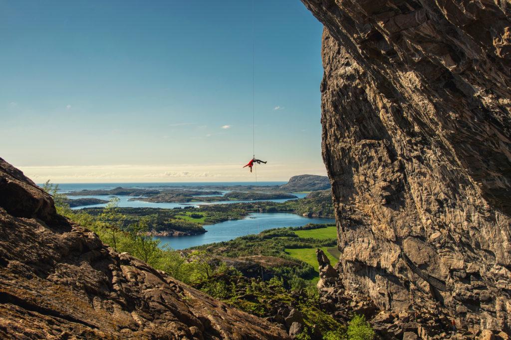 Hanshelleren cave – a unique climbing wall